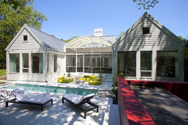 House of Light: Chevy Chase, Maryland Home inspired by Hugh Newell Jacobsen transitional-deck