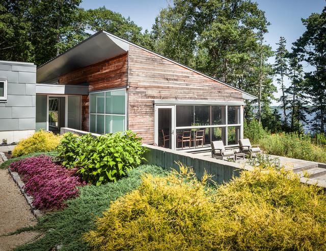 House on a Cove contemporary-exterior