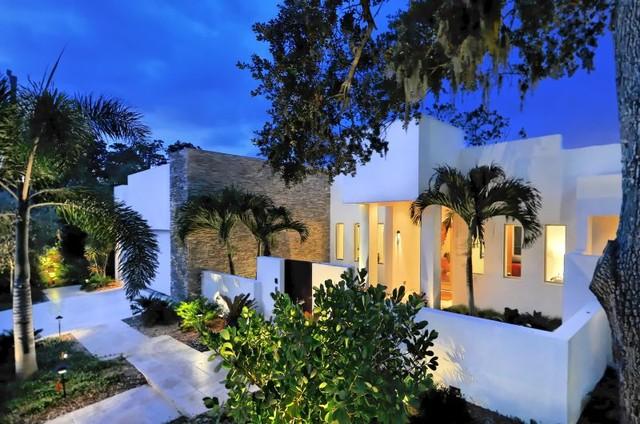House on Bonita Court modern-exterior