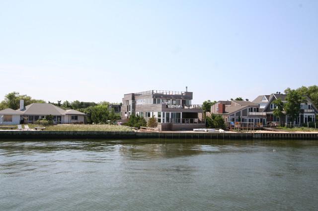 House on Fire Island exterior modern-exterior