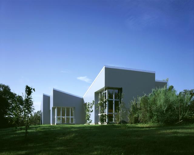 Impluvium House modern-exterior