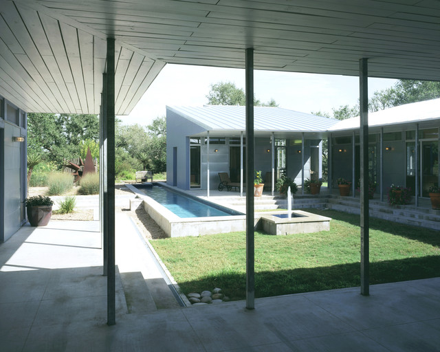 U-shaped House Courtyard | Houzz