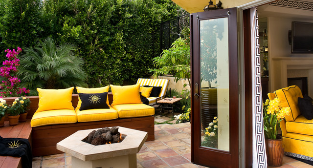 7 Striking Summer Color Combos For Your Outdoor Room
