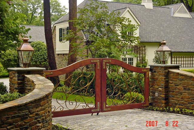 Iron Work craftsman-exterior