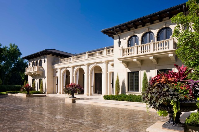 Italiannate villa mediterranean exterior minneapolis for Mediterranean villa design