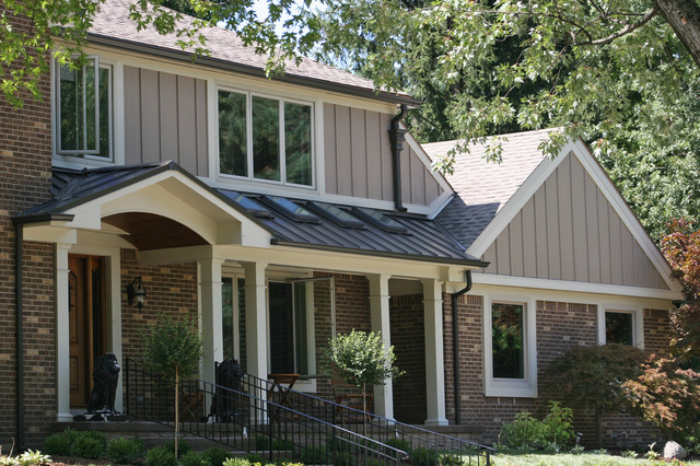 James Hardie Siding In Bloomfield Hills Traditional