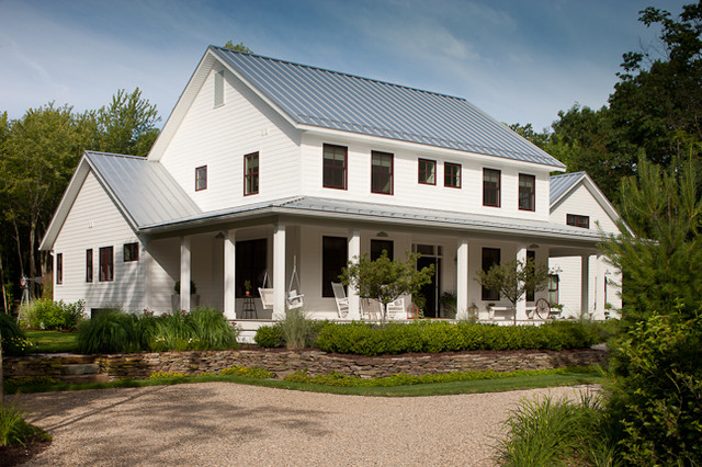 Farmhouse Exterior by jamesthomas, LLC
