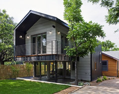Jewell Street Addition Eco Home Magazine: Merit Design Award 2010 contemporary-exterior