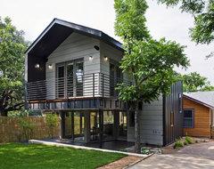 Jewell Street Addition Eco Home Magazine: Merit Design Award 2010 contemporary-exterior