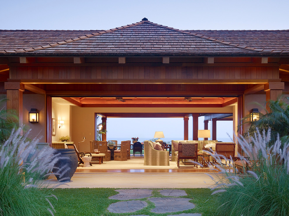 Island style one-story exterior home photo in Hawaii