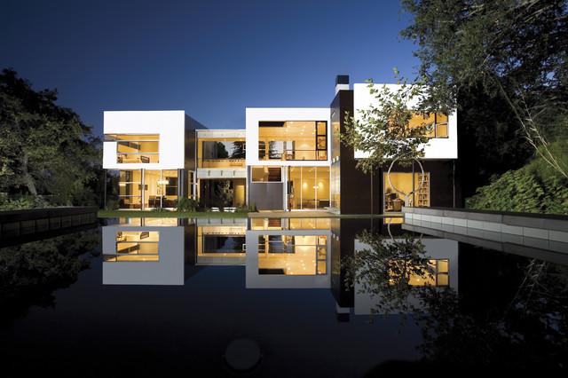 Kelly Residence modern-exterior