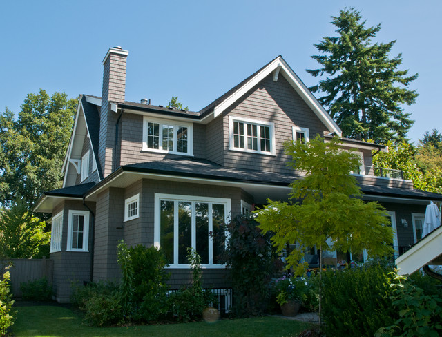 Kerrisdale Shingle Exterior Repaint - Exterior - vancouver - by Warline Painting Ltd.
