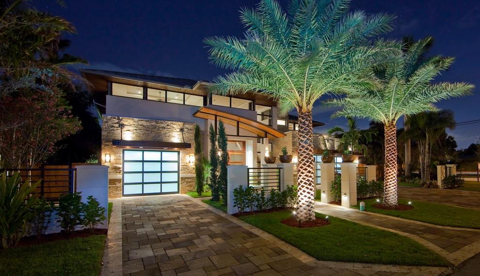 Contemporary two-story exterior home idea in Miami