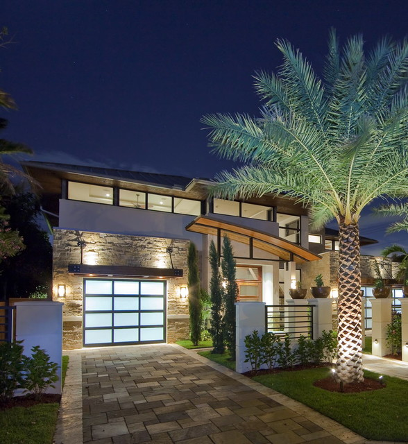 Modern House Exterior Design Modern Tropical House Design: Contemporary