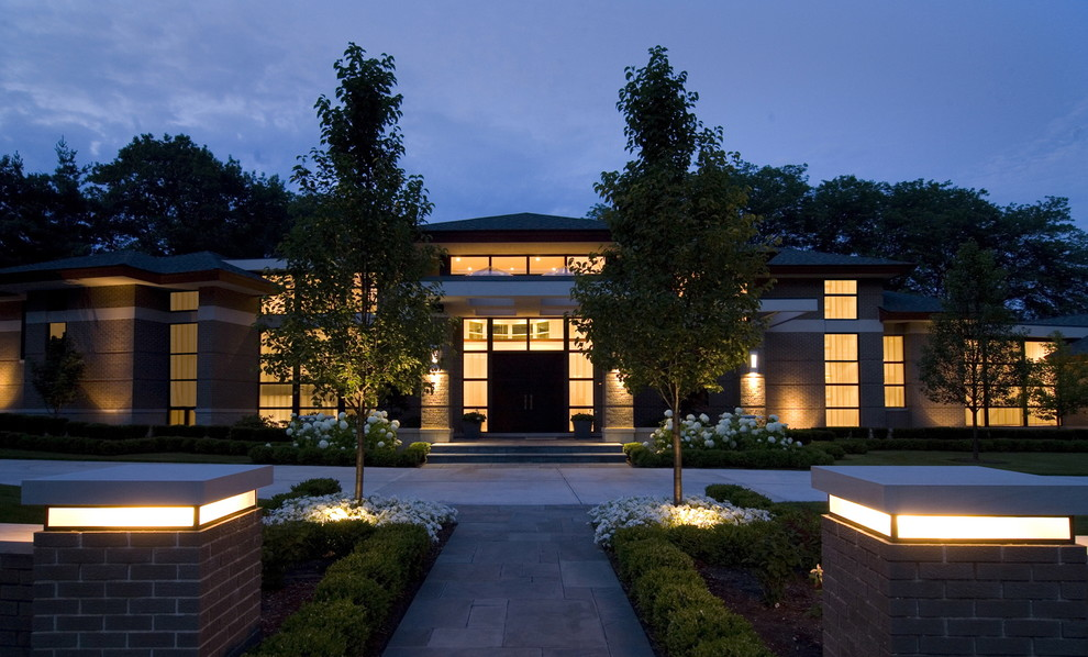 Contemporary two-story exterior home idea in Detroit