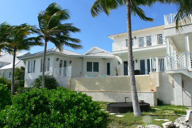 Key Haven villa tropical-exterior