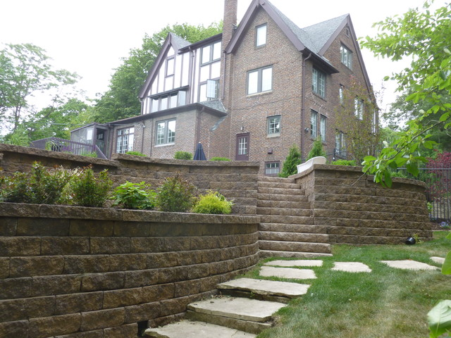 Keystone Retaining Wall Traditional Exterior Other