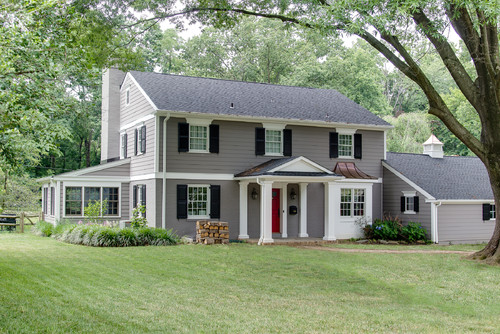 6 stunning home exterior makeovers you have to see to for Traditional 2 story house