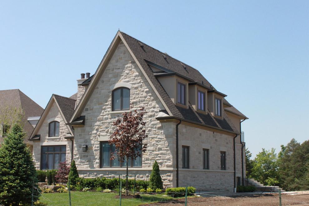Traditional exterior home idea in Toronto