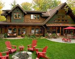 Exterior Lakeside traditional exterior