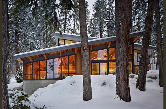 lake wenatchee cabin modern exterior