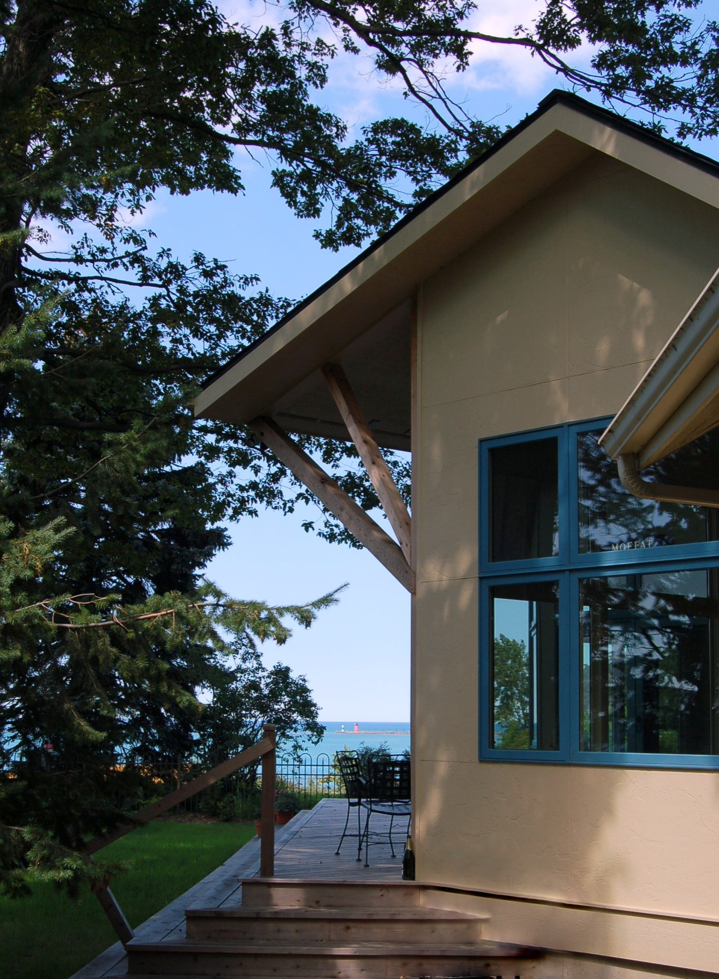 Lakefront Contemporary