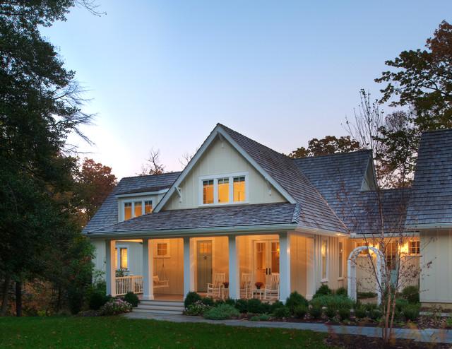 Lakeside Family Cottage beach-style-exterior
