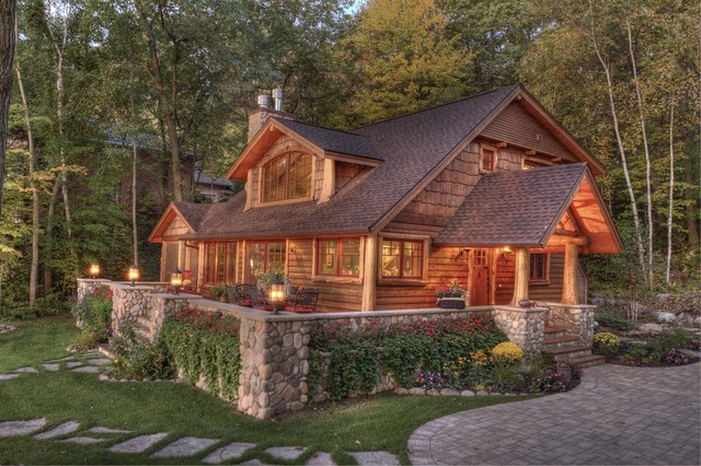 Lakeside traditional-exterior