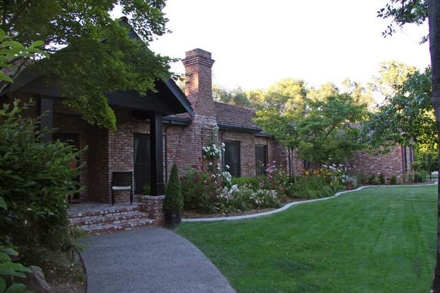 LANDMARK BUILDERS Custom Homes & Renovation traditional-exterior