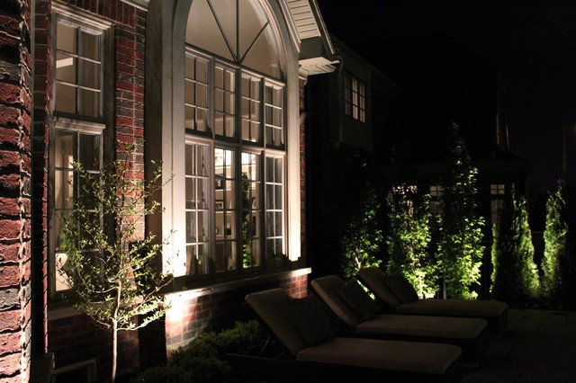 Landscape lighting completed by Fine Design Interlocking traditional-exterior