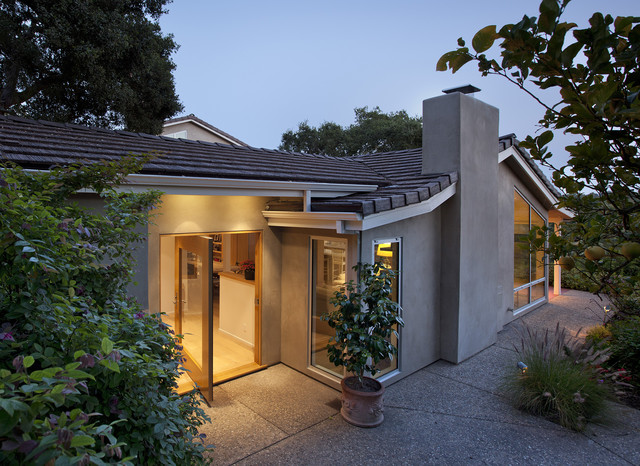 contemporary exterior by Allen Associates