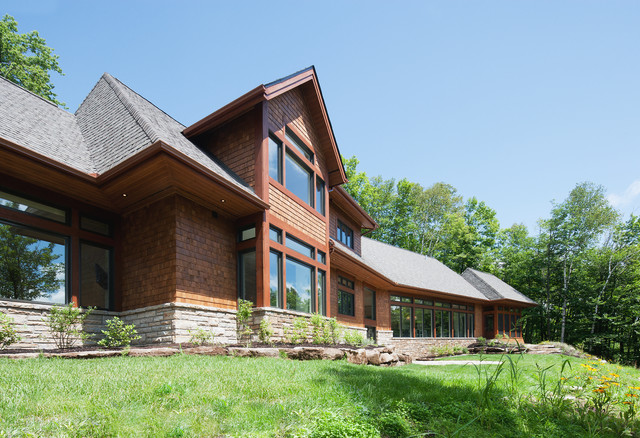 Laurentian hills traditional exterior for Exterior by design ottawa