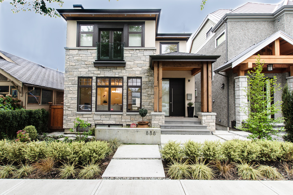 Modern three-story exterior home idea in Vancouver
