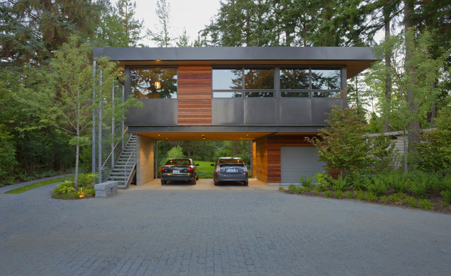 contemporary exterior by Coates Design Architects Seattle