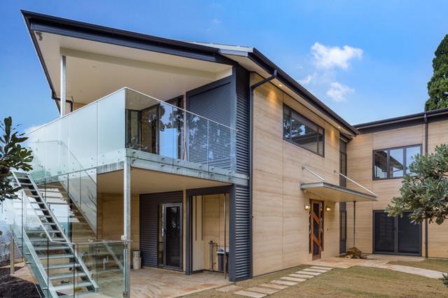 Leura rammed earth house contemporary exterior for Eco homes canada