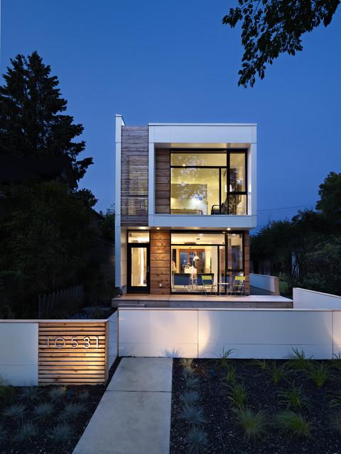 LG House Exterior Modern Exterior Edmonton by thirdstone