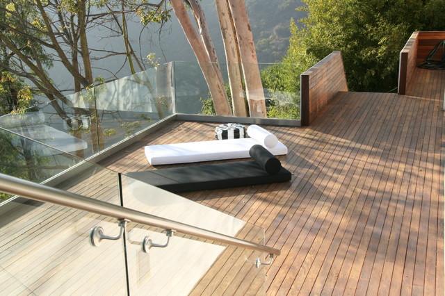 Lindaflora House modern-exterior