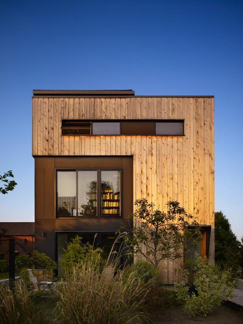 Revestimiento exterior con rajas de madera
