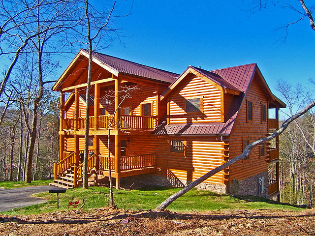 Log home in the smoky mountains of gatlinburg tn rustic for Cabin cabin nel smokies gatlinburg tn