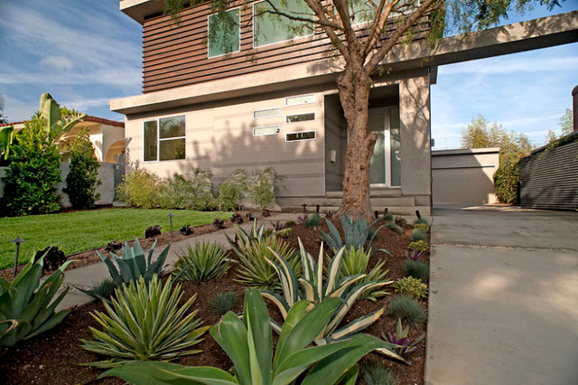 Los Angeles Home Staging | Stewart Ave. II, Mar Vista modern-exterior