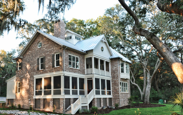 Low Country living traditional-exterior