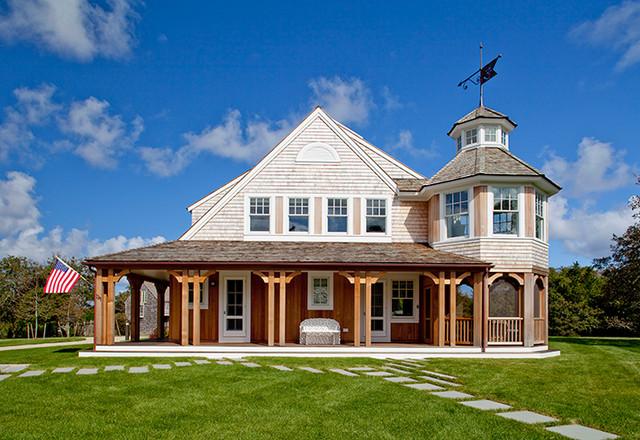 Lower Cape Farm House farmhouse-exterior