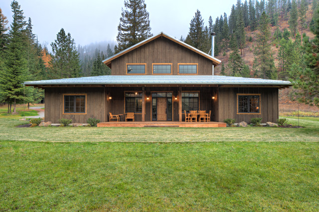 Lucky 4 Ranch Rustic Exterior Other By Uptic Studios