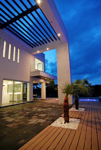 LuHer House modern-exterior