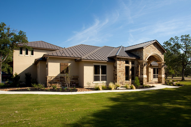 Luxury ranch by jim boles custom homes traditional for Custom ranch homes