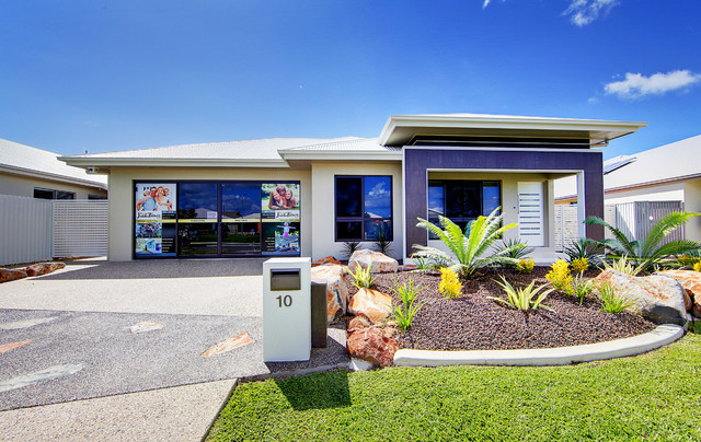 Machan display home north shore burdell townsville for Beach house designs townsville