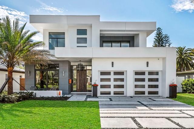 Magnolia Custom - Modern - Häuser - Orlando - von M. Lahr Homes