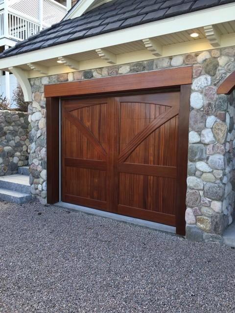 mahogany garage doors carriage doors contemporain garage dc metro par clingerman doors. Black Bedroom Furniture Sets. Home Design Ideas