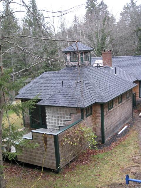 Maine coast cottage traditional-exterior