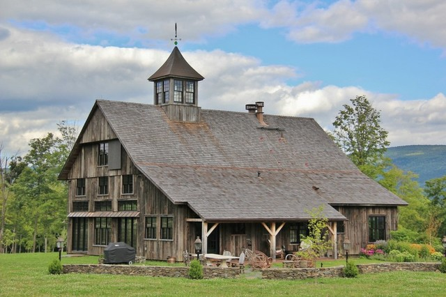 Manchester VT Barn Style Home Traditional Exterior